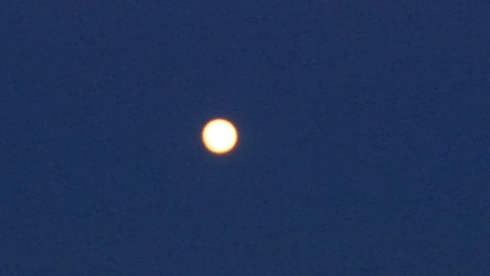 Пример съемки луны s6 edge ночью